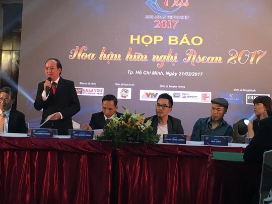 Ông Phan Đình Phùng, Phó Chủ tịch UBND tỉnh Phú Yên - phát biểu tại buổi công bố cuộc thi Hoa hậu hữu nghị ASEAN 2017