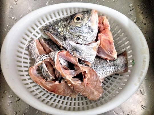 Cá chét nấu ngót, ăn một lần nhớ mãi! - Ảnh 2.