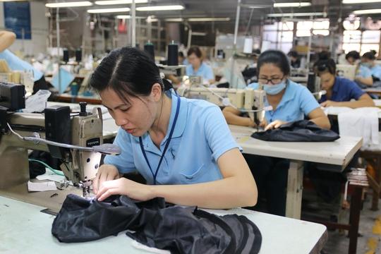Tỉ lệ lao động nữ có quyết định hưởng trợ cấp thất nghiệp chiếm 57,2% trong hơn 592.000 quyết định trợ cấp