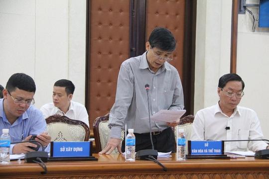Phó Giám đốc Sở Văn hóa - Thể thao TP HCM Trần Tuấn Anh trả lời báo chí trưa 27-4