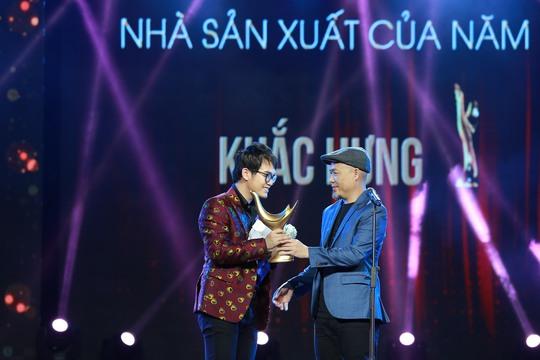 Khắc Hưng đoạt cú đúp giải thưởng với Nhạc sĩ của năm và Nhà sản xuất của năm