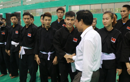 Bộ trưởng VH-TT-DL khích lệ VĐV dự SEA Games 29 - Ảnh 4.