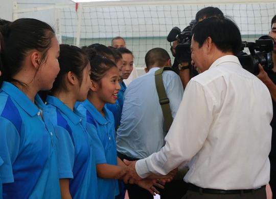 Bộ trưởng VH-TT-DL khích lệ VĐV dự SEA Games 29 - Ảnh 8.