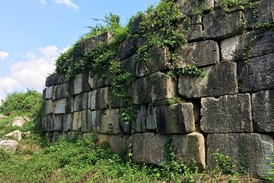 Di sản thế giới Thành nhà Hồ bị sạt lở tường thành - Ảnh 3.