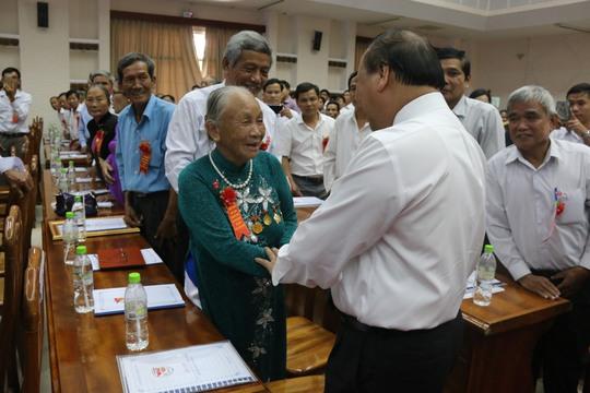 Thủ tướng yêu cầu chăm lo tốt hơn cho người có công - Ảnh 2.