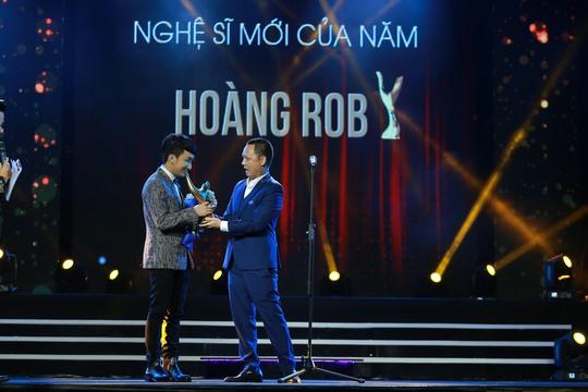 Nghệ sĩ violon Hoàng Rob mang về giải thưởng Nghệ sĩ mới của năm