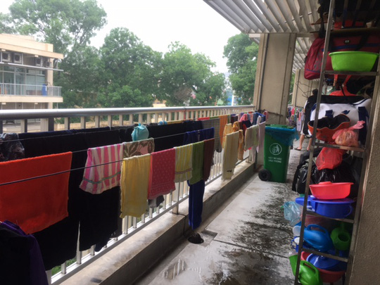 Bệnh viện nhận giặt đồ người nhà bệnh nhân với giá từ 2.000 đồng - Ảnh 1.