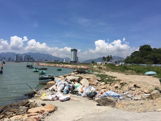 Cận cảnh hàng loạt dự án lấn biển xâu xé vịnh Nha Trang - Ảnh 7.