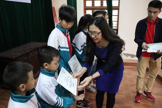 Masan Nutri-Science trao tặng 120 suất học bổng cho học sinh Hậu Giang và Hà Nam - Ảnh 2.