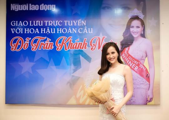 """Hoa hậu Khánh Ngân khẳng định không có """"đại gia"""" chống lưng - Ảnh 1."""