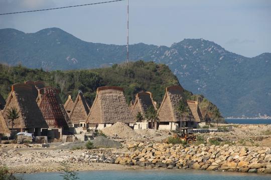 Cận cảnh hàng loạt dự án lấn biển xâu xé vịnh Nha Trang - Ảnh 4.