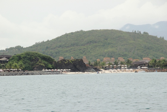 Cận cảnh hàng loạt dự án lấn biển xâu xé vịnh Nha Trang - Ảnh 18.