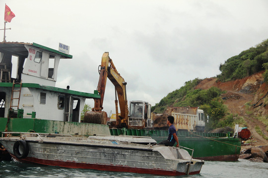 Cận cảnh hàng loạt dự án lấn biển xâu xé vịnh Nha Trang - Ảnh 13.