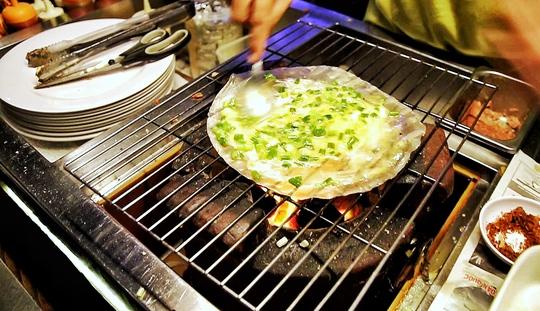 """Giòn giòn """"pizza made in Việt Nam"""" - Ảnh 3."""