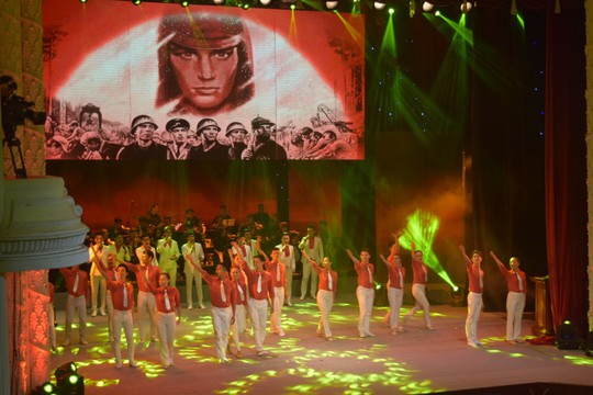 Rực rỡ đêm nghệ thuật Bài ca tháng mười Nga - Ảnh 11.