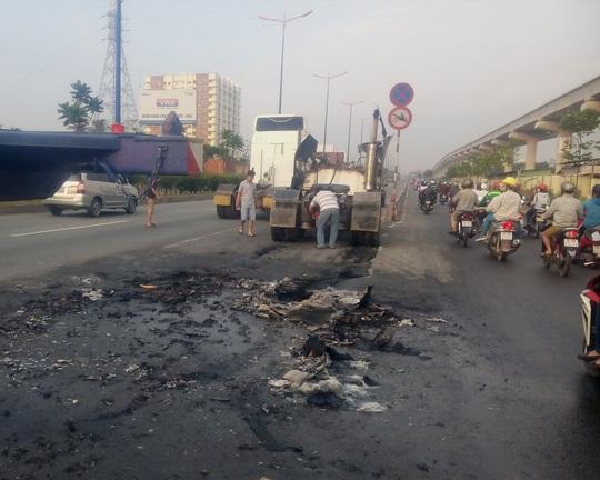 Nguyên nhân ban đầu dẫn đến vụ cháy được xác định do chiếc xe bị chập điện