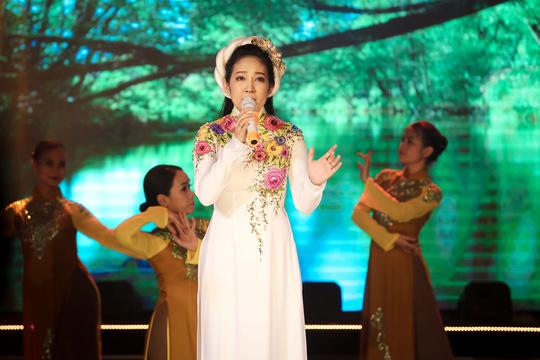 Thanh Thúy, Hạ Trâm cuốn hút đêm 10 Mai Vàng kết nối - Ảnh 3.