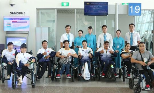 Vietnam Airlines kể chuyện phục vụ Đoàn Thể thao Việt Nam tham dự ASEAN Para Games - Ảnh 1.