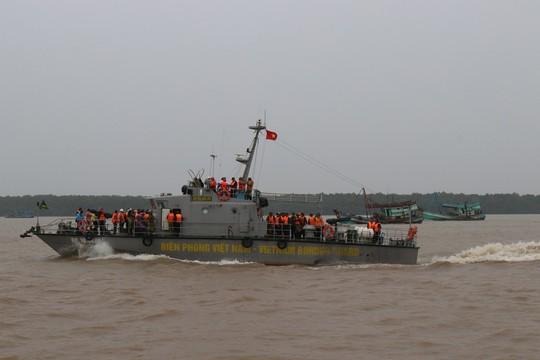 Phó Thủ tướng đang chỉ đạo ứng phó với bão số 16 (Tembin) tại Sóc Trăng - Ảnh 3.