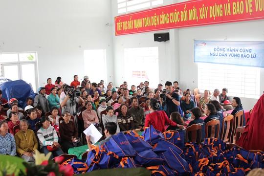 Masan Consumer tặng 200 triệu đồng cho ngư dân tỉnh Khánh Hòa - Ảnh 1.