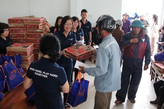 Masan Consumer tặng 200 triệu đồng cho ngư dân tỉnh Khánh Hòa - Ảnh 2.