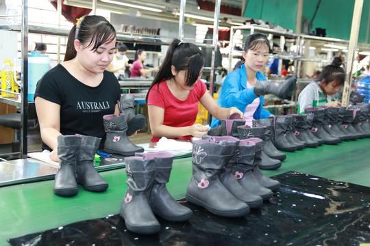 Đề xuất lao động nữ sẽ nghỉ hưu ở tuổi 60 - Ảnh 1.