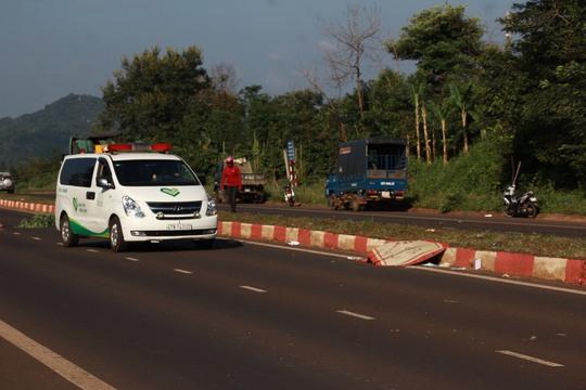 Sau 4 giờ tai nạn mới thấy nạn nhân tử vong cách hiện trường 50m - Ảnh 1.