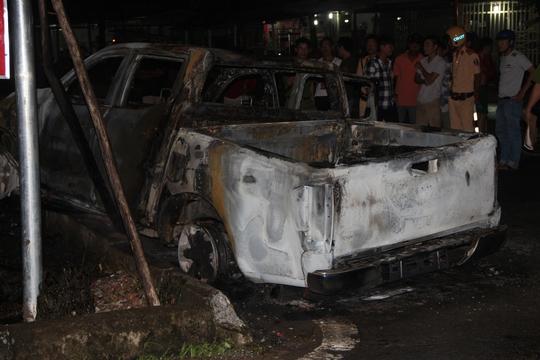 VIDEO: Ôtô và xe máy ở Phú Quốc cháy rụi kinh hoàng khi tông nhau - Ảnh 2.