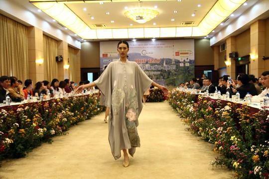 Mãn nhãn với Tơ lụa Bảo Lộc trong Festival hoa Đà Lạt 2017 - Ảnh 6.