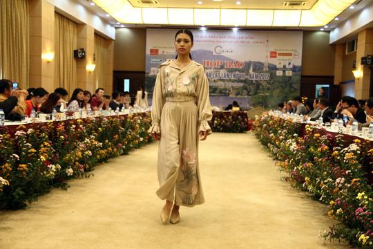 Mãn nhãn với Tơ lụa Bảo Lộc trong Festival hoa Đà Lạt 2017 - Ảnh 5.