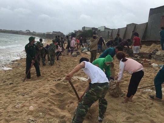 Gió mạnh dần, Côn Đảo đón 1.000 người tránh bão số 16 (Tembin) - Ảnh 15.