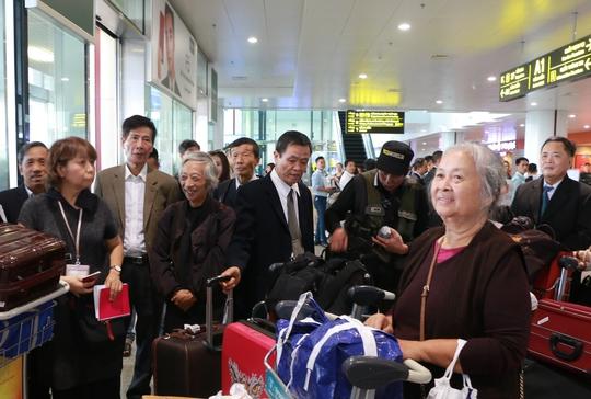 Thân nhân cựu binh Nhật Bản xúc động gặp cha đẻ ngoài 90 tuổi - Ảnh 2.