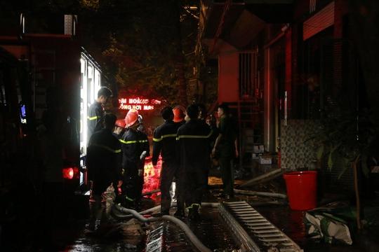 Kiểm tra hồ sơ quán karaoke 4 tầng bị cháy - Ảnh 7.