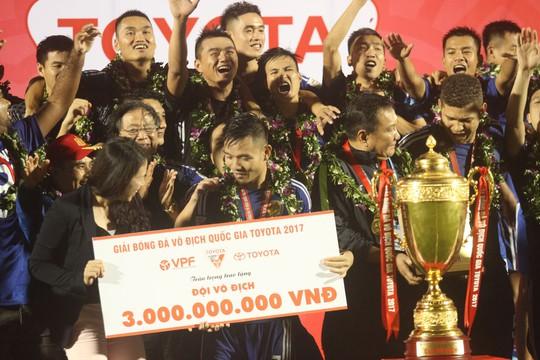 Quảng Nam lên ngôi V-League 2017 - Ảnh 1.
