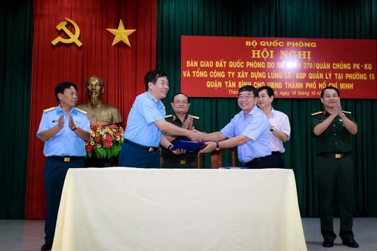 Bàn giao 7.379 m2 đất quốc phòng cho TP HCM - Ảnh 1.