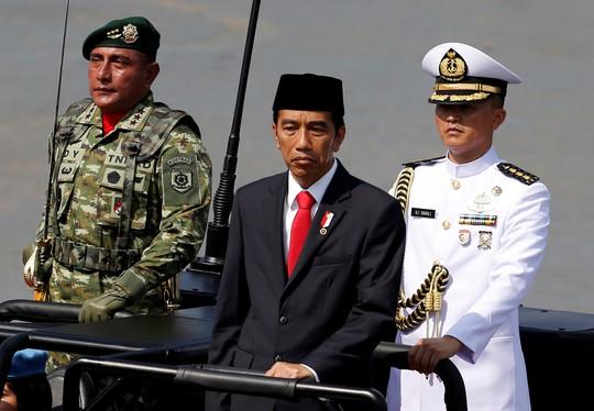 Tổng thống Indonesia đi bộ hơn 2 km vì kẹt xe - Ảnh 4.
