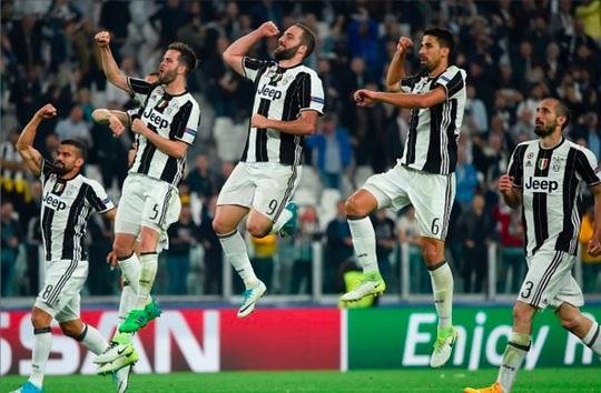 Niềm vui của Juventus khi loại Barca