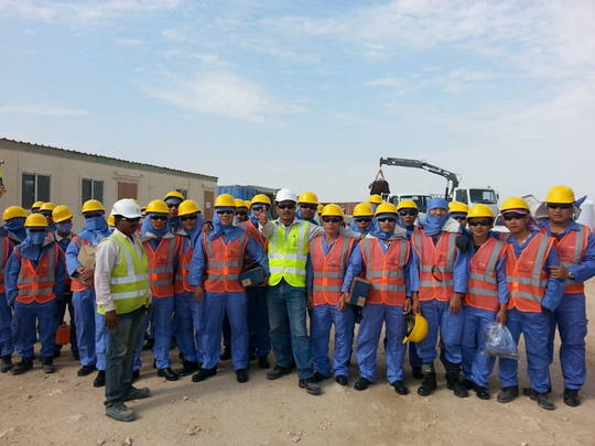 Sẽ đưa lao động ở Qatar về nước nếu sự cố xấu nhất xảy ra - Ảnh 1.