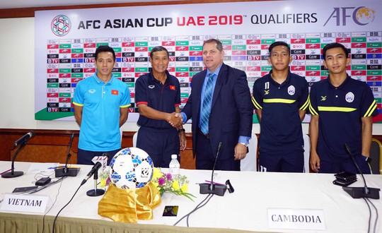 Lợi thế của cầu thủ Campuchia là nghe được tiếng Việt - Ảnh 1.