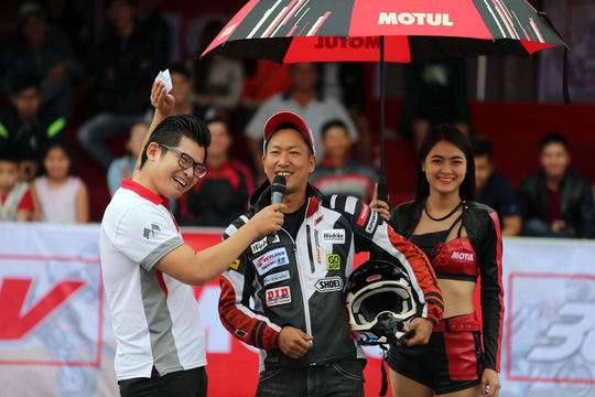 Được nhiều người yêu thích trên thế giới, stunt bắt đầu du nhập vào Việt Nam từ năm 2013 và bắt đầu phát triển mạnh.