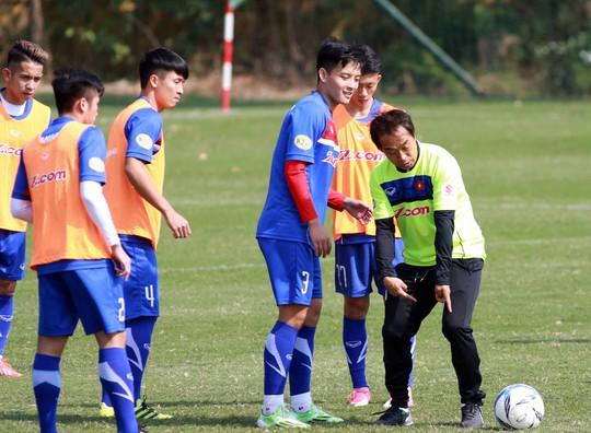 HLV Park Hang Seo loại Hoàng Văn Khánh: Cú sốc cho CĐV SLNA - Ảnh 1.