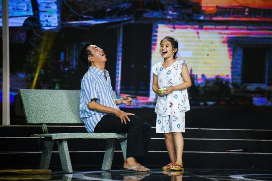 Thanh Bạch nghẹn ngào vì cô bé 11 tuổi Ngọc Tâm - Ảnh 3.