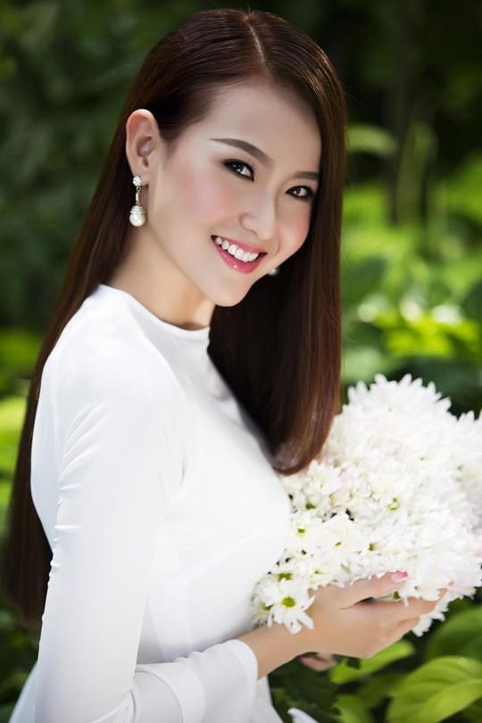 Hoa hậu Hoàn cầu Khánh Ngân tặng 200 triệu cho đồng bào Phú Yên - Ảnh 3.