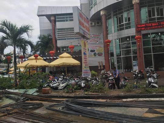 Khởi tố cán bộ Cục thuế Bình Định nhận hối lộ 130 triệu đồng - Ảnh 1.