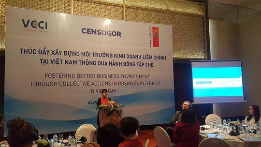 Bà Nguyễn Thị Kiều Viễn, Giám đốc Trung tâm nghiên cứu quản trị xã hội, phát biểu