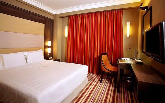 Phòng khách sạn sang trọng như thế này có giá thuê khá mềm Ảnh: Chudu24
