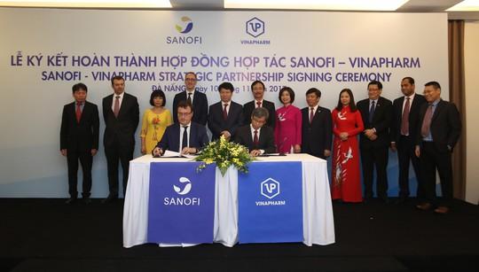 Sanofi Việt Nam hợp tác cùng Vinapharm sản xuất thuốc - Ảnh 1.