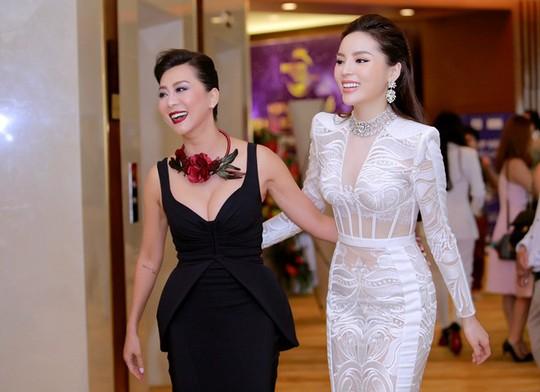 Hoa hậu biển toàn cầu nhận giải thưởng 500 triệu đồng - Ảnh 1.