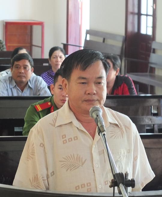 Sang Campuchia đá gà, thua sạch 85 tấn gạo - Ảnh 1.