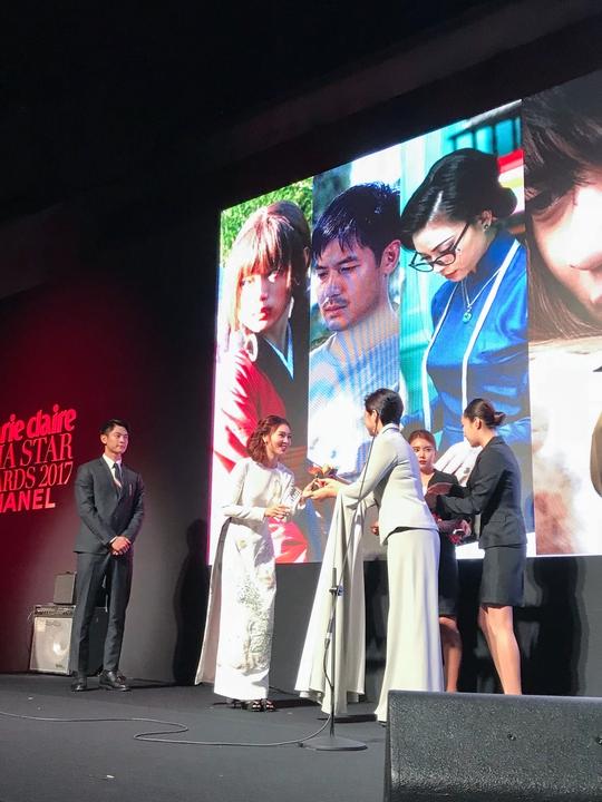 Ninh Dương Lan Ngọc nhận giải thưởng tại Hàn Quốc - Ảnh 3.